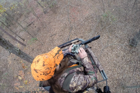 Treestand hunting no edit.png